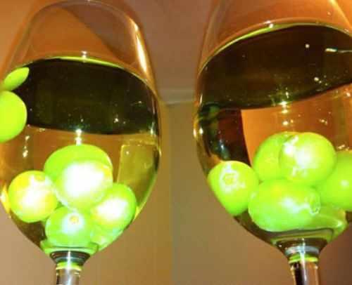 Мороженный виноград в вине