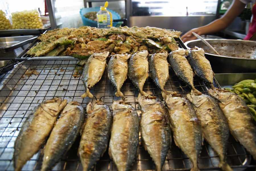 Рыба на кухне ресторана