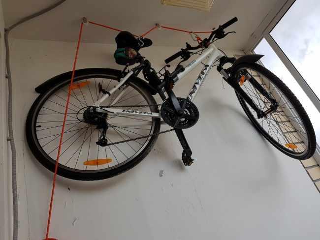 Организация хранения велосипеда в квартире с сохранением полезной площади