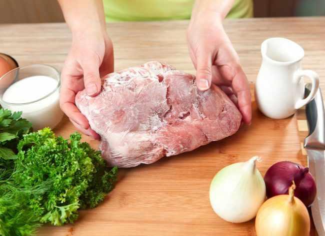 Хранение охлажденного и замороженного мяса: условия и сроки