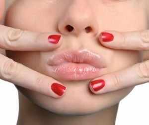 Как правильно избавиться от простуды на губах