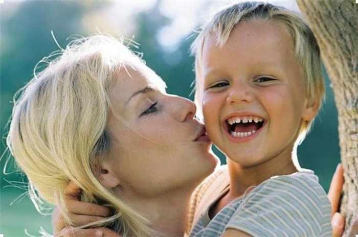 Как правильно воспитать ребенка без папы?