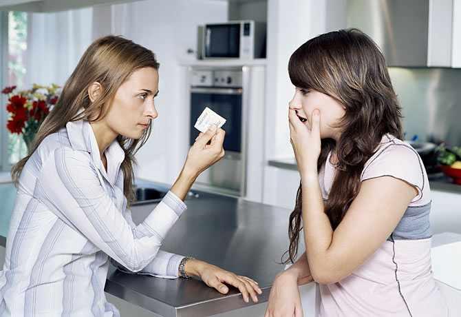 Как правильно поговорить с дочерью-подростком о сексе?