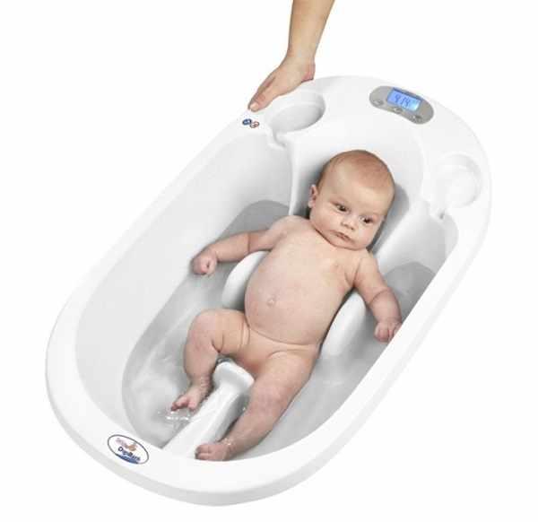 Как правильно первый раз купать новорожденного ребенка