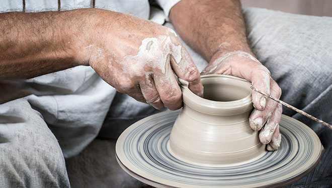 создание глиняной вазы